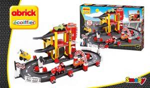 garaje de juguete y circuito F1 Abrick