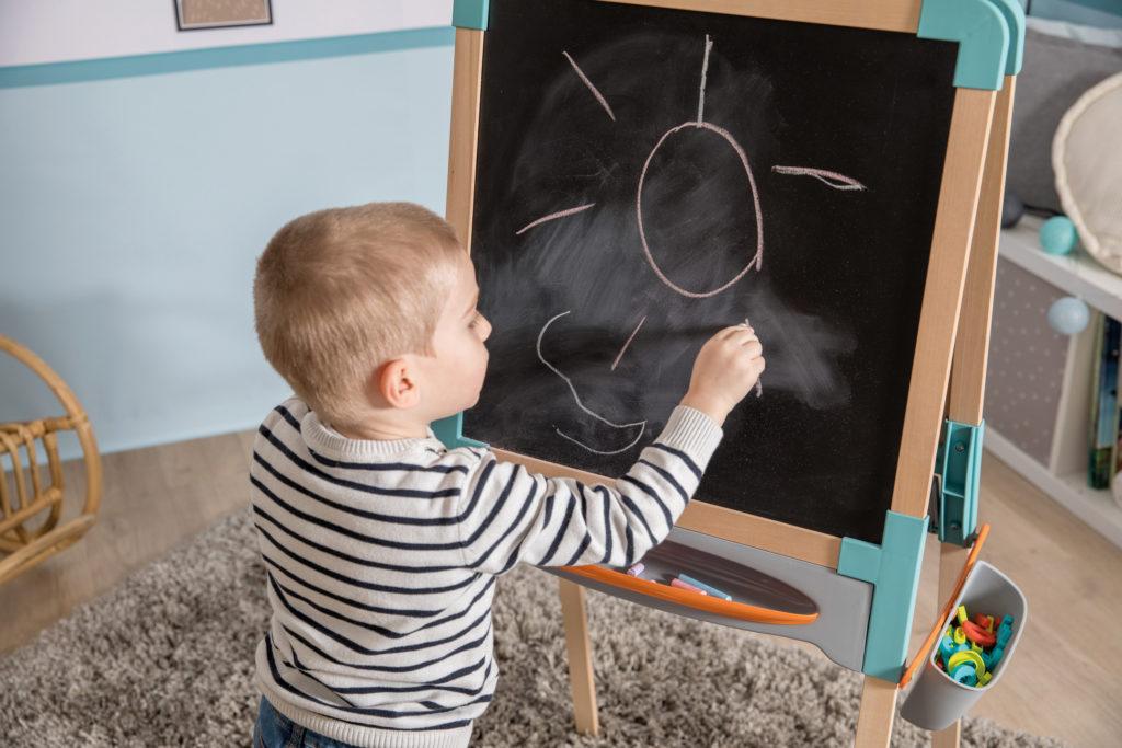 Razones para regalarles una pizarra a tus hijos